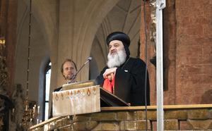 Syrisk-ortodoxa kyrkans patriark Ignatius Aphrem II talar i Västerås domkyrka.