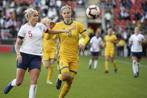 Avestatjejen Lina Hurtig i en landskamp mot England i höstas.