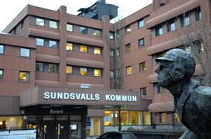 Politikerna i Sundsvall övervakas noggrant av väljare och medier. Minsta felsteg kan vara förödande.