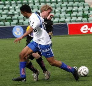 IFK Sundsvalls forward Fares Tesfay låg oftast steget före – med bollen. Han bidrog med flera farliga målchanser i gårdagens match mot nykomlingarna Luleå FF.