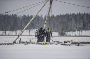 Under fredagen bärgades traktorn från botten av Åsgarn. Foto: Niklas Hagman