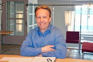 Jens Hjalmarsson.