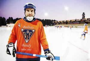 Det blev några säsonger i Sandviken, men i övrigt har Andreas Westh varit moderklubben Bollnäs GIF trogen. Nu återstår bara en dröm att förverkliga för liberokaptenen – det där svårfångade SM-guldet...
