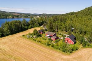 Den här fastigheten i Sjögom nära Yttre Bergomssjön såldes för 3 850 000 kronor. Foto: Fastighetsbyrån