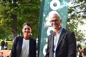 Sarah Lindberg och Mats Hallberg, chefer vid ortopedkliniken i Norrtälje, är initiativtagarna bakom Tiohundraloppet.