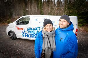 Jennie och Johannes Reinholdsson kommer att erbjuda träning på ett enkelt sätt genom att ta sig till folket istället för att de ska behöva uppsöka gym. Foto: Bengt Pettersson