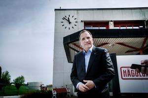 Stefan Löfven gav partiledarintervju i samband med ett företagbesök.