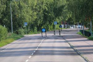 Trots väghinder körs det alldeles för fort på Josefsdalsvägen enligt insändarskribenten.