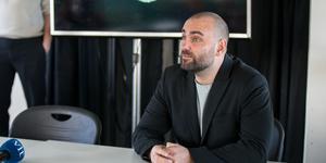 Andreas Dayan är positiv efter beskedet om att mattan ska bytas ut på Solid Park Arena.