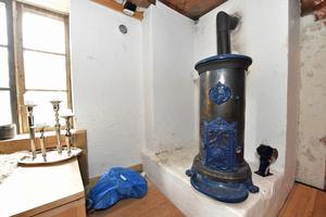 Kaminen stod helt ny och oanvänd, och är så effektiv att någon anan värme behövs ej.