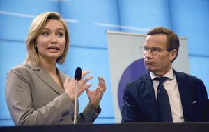 Kristdemokraternas partiledare Ebba Busch Thor (KD) och Moderaternas partiledare Ulf Kristersson (M) vill bygga ut kärnkraften. Foto: Marko Säävälä/TT