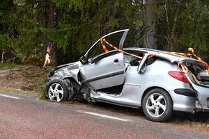 Bilen fick stora skador i olyckan.
