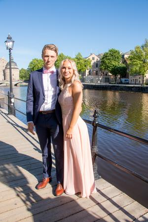 Lukas Lindberg och Elin Bengtsson, Eksabet16B på Grillska.