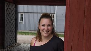 Fru Katarinas gille är Kajsa Andersson-Bergs första jobb för Arbogateatern. - Så härligt att få regissera här, säger hon.