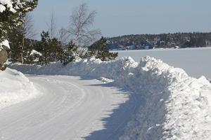 Februari brukar vara den kallaste månaden.  Ringvägen, den 22 februari 2010.