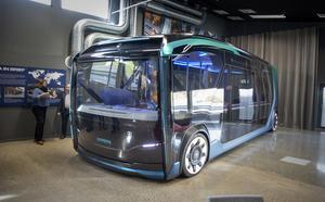 Buss på dagen och lastbil på natten – det är tanken med den ombyggbara NXT:n som på det sättet ska bidra till bättre miljö när den utnyttjas alla dygnets timmar.