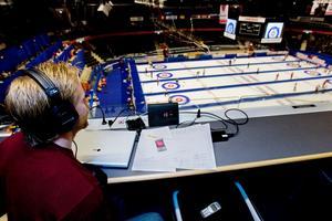 Niklas Edin jobbade som radioreporter under EM i Örnsköldsvik 2008.Bild: Maria Edstrand