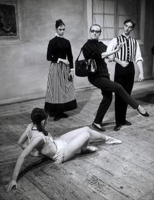 Ludvig Josephson sökte nya teaterberättelser, bortom det ständiga nagelfarandet av kvinnans dygd och odygd. Här