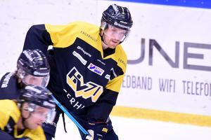 HV-centern placerades mellan Andreas Thuresson och Mattias Tedenby på onsdagens träning.