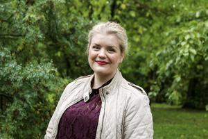 Cassandra Sundin upplever inte att väljarstödet påverkas av avslöjanden om nazistsympatier inom Sverigedemokraterna så länge åtgärder vidtas mot dem. Däremot tror hon att det påverkar folks vilja att engagera sig i partiet.