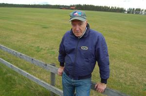 Lennart Thorslund har gjort utredningen om Orsa Tallhed flygplats. Fältet är en kulturskatt som måste bevaras för framtiden, anser han.