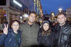 Nadja Saleh, Lokman Furan,  Kashal Mahmoud och Azad Botan, alla från Västerås, var med vid demonstrationen.