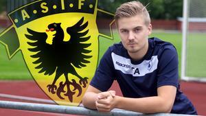 Oskar Ålgars är tillbaka på fotbollsplanen och ska hjälpa Södra kvar i fotbollstrean. Foto: Arkivbild