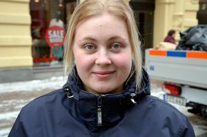 Julia Karhunen, 24, vårdbiträde, Bergeforsen: