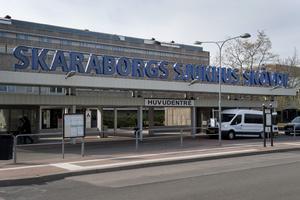 Den befintliga elkraftsanläggningen kommer inte att räcka till efter att Skaraborgs sjukhus i Skövde har byggts ut. Nu satsar Västfastigheter 150 miljoner kronor på en ny och NCC har fått uppdraget.