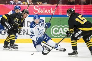 Leksand och AIK gör upp i en het match i Tegera Arena. Foto: Daniel Eriksson/Bildbyrån