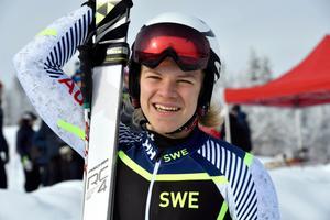 Axel Lindqvist, Sundsvall segrare i både störtlopp och Super-G.