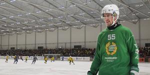 Robert Rimgård slipper åka runt en försäsong och leta is  på någon avlägsen rink i Stockholm. Nu väntar perfekta förutsättningar varje kväll för Brobergs nyförvärv.