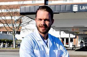 – Skulle vi vara lika kompetenta som de som gjorde upphandlingen av Heroma skulle det ha dött fem till sex personer i veckan, säger Oskar Melkar, narkossjuksköterska och förtroendevald inom Vårdförbundet.