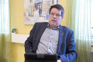 Behöver räddningsnämnden  mer pengar så får de komma med en framställan, säger Leif Pettersson. Signalerar kommunalrådet att kommunen i sista stund är beredd att gå brandmännen i Grängesberg till mötes?