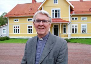 –Jag känner att jag behövs och kan göra en insats i Gagnef, säger Fredrik Lautmann, som är övertygad om det går att rekrytera en ny kyrkoherde till Gagnef.