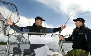 Så här stora fiskar vill Thomas Bergkvist få. Han och Fredrik Leek i Team Mieko fiskar ofta och gärna.