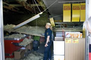 Kunderna i butiken hade änglavakt, konstaterade poliserna som kom till Byggmax efter olyckan.