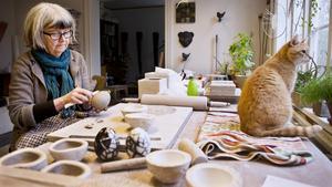 Konstnären Anna Eilert är lärare på Västerås Konstskola och hon kommer till VLT och berättar om utbildningen på lördag. Fotograf: Lennye Osbeck