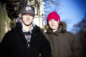 Linus och Pontus Wernersson Libäck har det tufft i Mjölby.