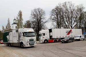 Under måndagen leddes tung trafik i både norr- och södergående riktning genom Bergsjö och Ilsbo.