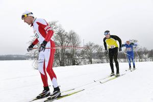 Efter halva loppet var Thommy Larsson Stockvik, Emil Lagergren Tynderö och John Lagerskog Arvidsjaur loss.