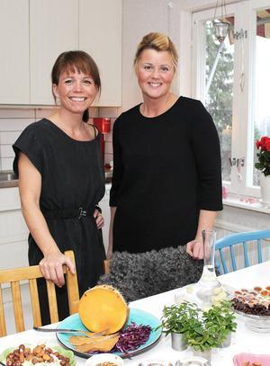 Anna Nelding Sjöström och Lena Andersson är coacher hos Viktväktarna i Sundsvall. De tycker att det är viktigt att ta hand om kroppen även om det är jul. Men det behöver inte betyda att man inte kan njuta av god mat.