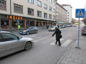 Stora gatan. Här gäller den så kallade zebralagen.