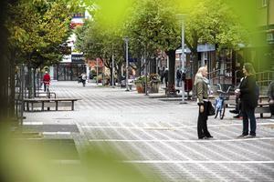 Avesta kommun har nyligen ansökt om tillstånd för att få sätta upp övervakningskameror på Kungsgatan. Men blir den verkligen tryggare för det?
