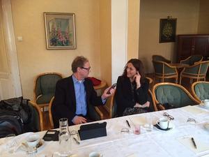 Lars Ströman i samtal med Cecilia Malmström, EU-kommissionär.