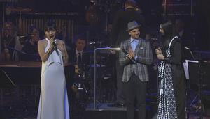 Dami Im med Conhita Wurst när Im presenterades som Australiens ESC-bidrag.