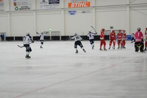 Efter en hörnvariant som Rättvik tränat in lyckades Daniel Bodeström sätta 4-0 i slutet på första halvlek.