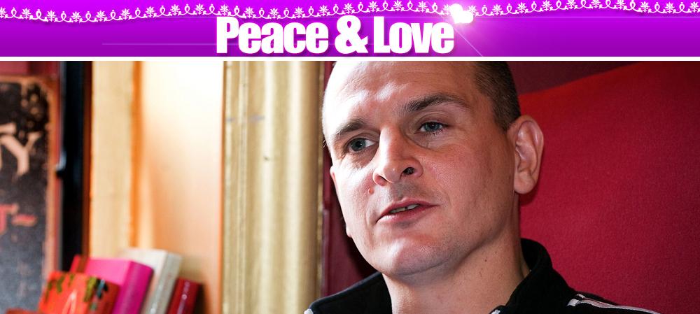 Hakan avslutar peace love