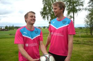 Albin Tysk Danielsson och Kent Danielsson är två av de drivande spelarna i projektet Vattnäs SK.