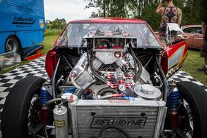 2500 hästkrafter hittar du i denna Camaro-68, Top Doorslammer-dragracer.